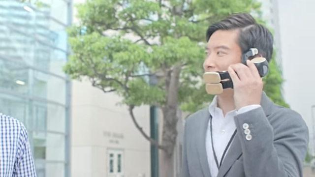 SHARPロボホンのティザー動画が見せる次世代携帯がユニーク