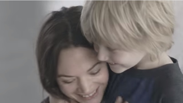 1800万回以上の再生!ジュエリーブランド「パンドラ」が魅せる「親子の絆」によるブランディング動画