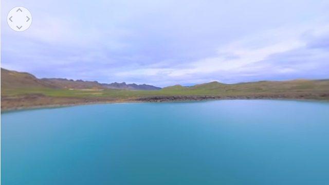 ドローンで撮影した湖