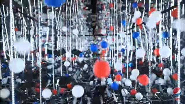 ペプシカラーの「ピンポン玉」が炭酸の強さを表現